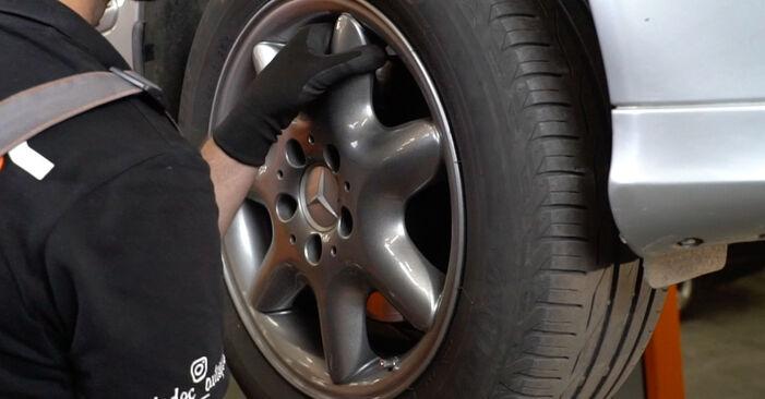 Federn Ihres Mercedes W203 C 200 1.8 Kompressor (203.042) 2000 selbst Wechsel - Gratis Tutorial