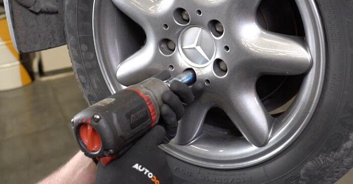 Смяна на Mercedes W203 C 180 1.8 Kompressor (203.046) 2002 Пружинно окачване: безплатни наръчници за ремонт