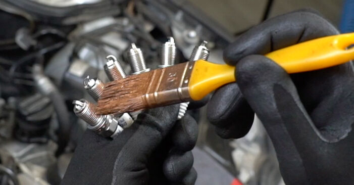 DIY replacement of Spark Plug on MERCEDES-BENZ C-Class Saloon (W203) C 220 CDI 2.2 (203.008) 2006 is not an issue anymore with our step-by-step tutorial