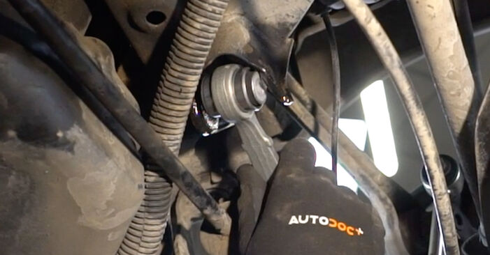 Step-by-step recommendations for DIY replacement Mercedes W203 2005 C 200 CDI 2.2 (203.007) Control Arm