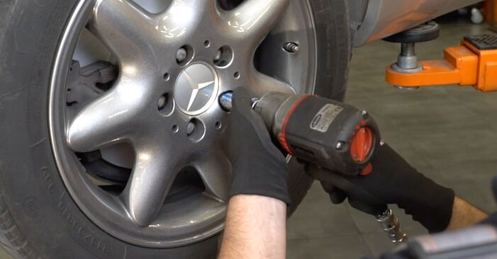 How to change Control Arm on MERCEDES-BENZ C-Class Saloon (W203) 2004 - tips and tricks