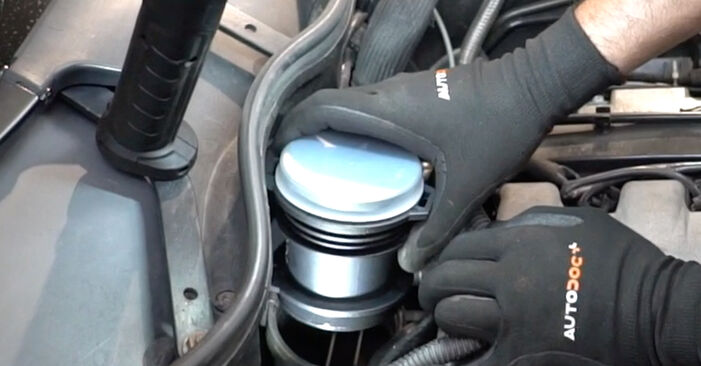 Step-by-step recommendations for DIY replacement Mercedes W203 2005 C 200 CDI 2.2 (203.007) Mass Air Flow Sensor