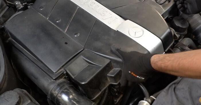 Mercedes W203 C 180 1.8 Kompressor (203.046) 2002 Mass Air Flow Sensor replacement: free workshop manuals