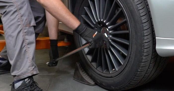 Wie Spurstangenkopf Mercedes W211 E 220 CDI 2.2 (211.006) 2002 tauschen - Kostenlose PDF- und Videoanleitungen