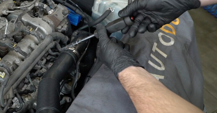 OPEL CORSA 1.3 CDTI (L08, L68) Oil Filter replacement: online guides and video tutorials
