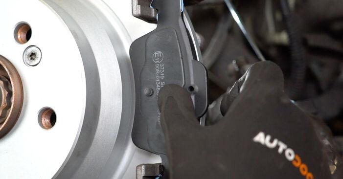 Wie MERCEDES-BENZ E-CLASS E 280 CDI 3.0 (211.020) 2006 Bremsbeläge ausbauen - Einfach zu verstehende Anleitungen online