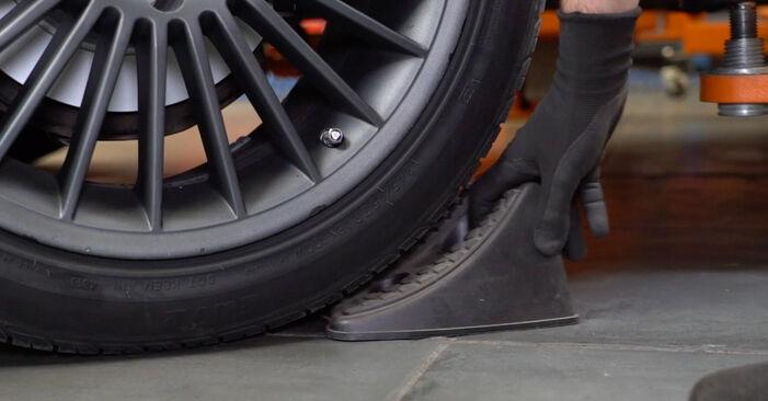 Wie Bremsbeläge Mercedes W211 E 220 CDI 2.2 (211.006) 2002 tauschen - Kostenlose PDF- und Videoanleitungen