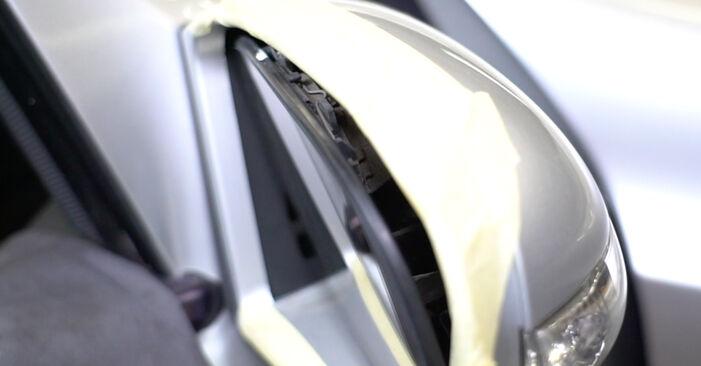 Spiegelglas Mercedes W211 E 320 CDI 3.2 (211.026) 2004 wechseln: Kostenlose Reparaturhandbücher