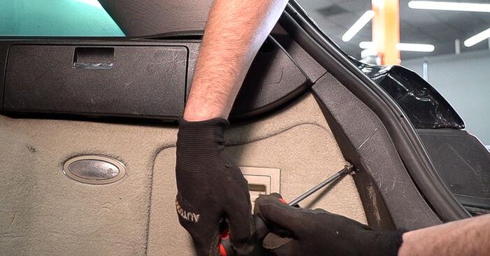 159 Sportwagon (939) 2.4 JTDM (939.BXM1B) 2008 Lengéscsillapító csináld magad csere szervizelési útmutató