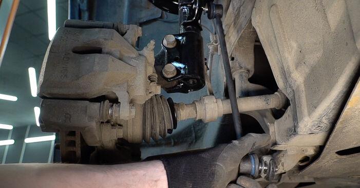 Substituição de TOYOTA RAV4 2.2 D 4WD (ALA30_) Tirante da Barra Estabilizadora: guias online e tutoriais em vídeo