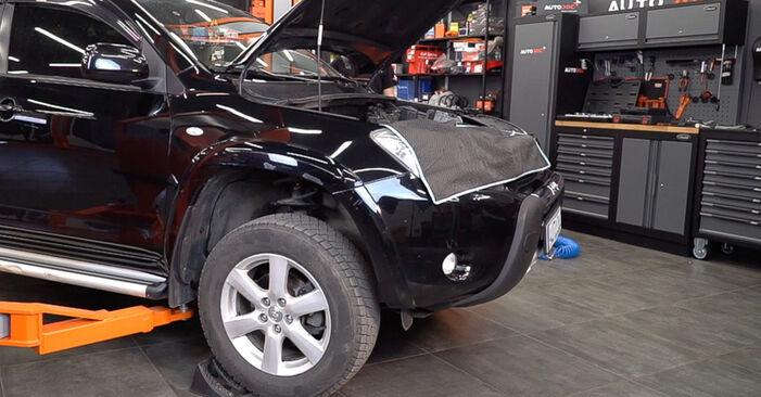 Substituição de Toyota RAV4 III 2.0 4WD (ACA30_) 2007 Tirante da Barra Estabilizadora: manuais gratuitos de oficina