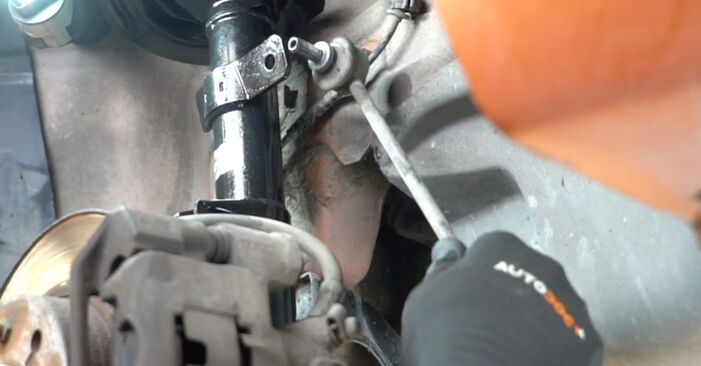 Devi sapere come rinnovare Biellette Barra Stabilizzatrice su FIAT PANDA ? Questo manuale d'officina gratuito ti aiuterà a farlo da solo
