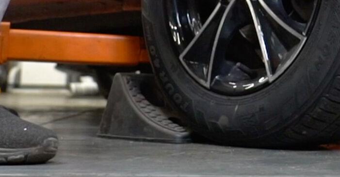 Wie Bremsbeläge FIAT PANDA (169) 1.1 2004 austauschen - Schrittweise Handbücher und Videoanleitungen