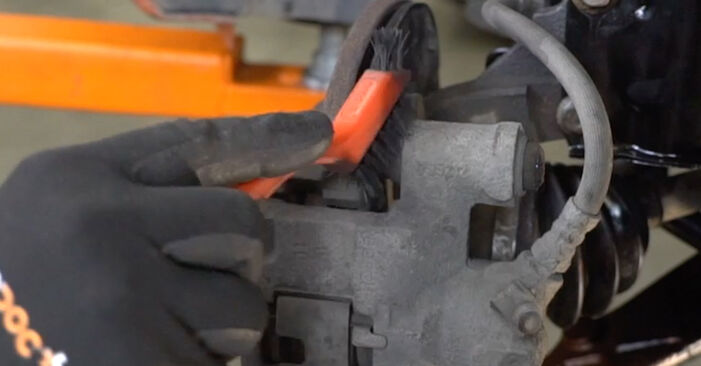 How hard is it to do yourself: Brake Pads replacement on Fiat Panda 169 1.4 2009 - download illustrated guide