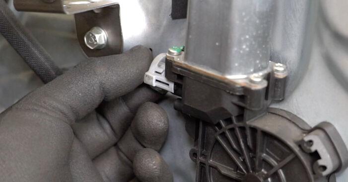 Schimbare Maner usa la Nissan Qashqai j10 2008 1.5 dCi de unul singur