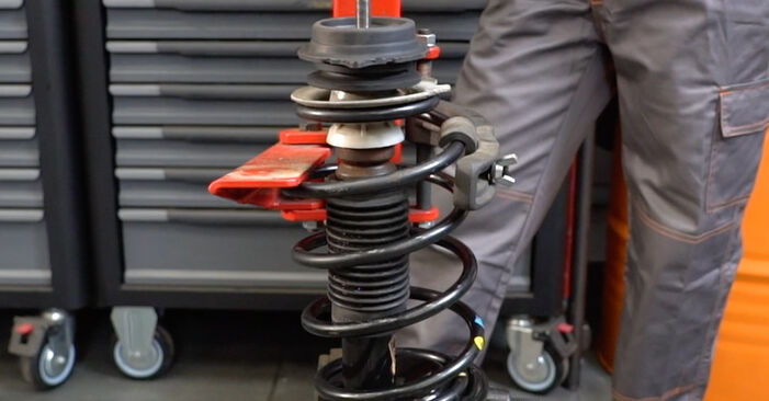Stoßdämpfer beim FIAT PANDA 1.4 Natural Power 2010 selber erneuern - DIY-Manual