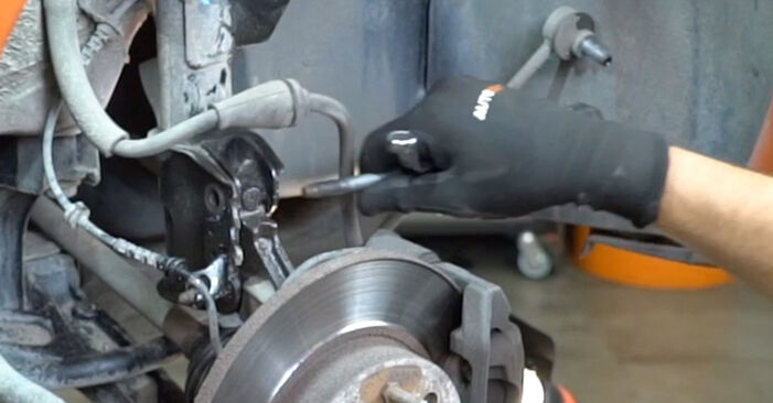 How to change Strut Mount on Fiat Panda 169 2003 - free PDF and video manuals