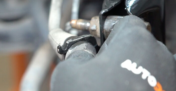 Replacing Strut Mount on Fiat Panda 169 2013 1.2 by yourself