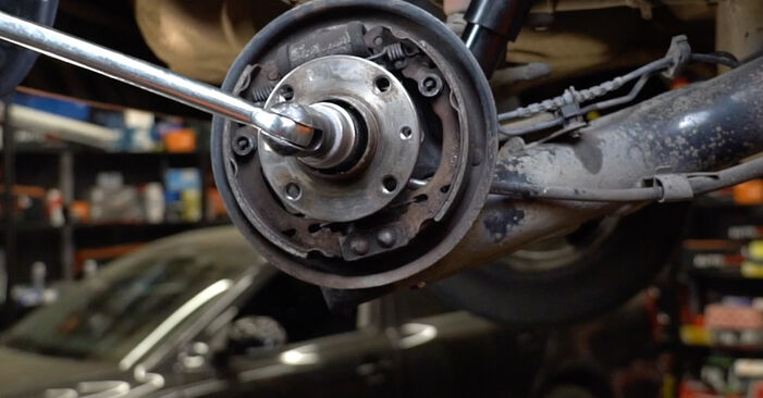 Ako dlho trvá výmena: Lozisko kolesa na aute Fiat Panda 169 2011 – informačný PDF návod