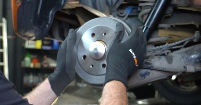 Ako vymeniť Lozisko kolesa na Fiat Panda 169 2003 – bezplatné PDF a video návody.