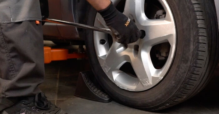 Changing of Springs on Zafira b a05 2013 won't be an issue if you follow this illustrated step-by-step guide