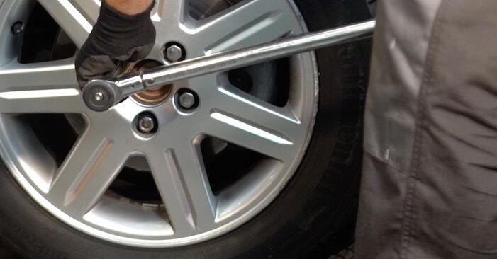 Mudar Molas no Volvo v50 mw 2011 não será um problema se você seguir este guia ilustrado passo a passo