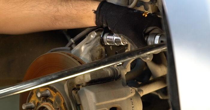Wie schwer ist es, selbst zu reparieren: Federn Toyota Prius 2 1.5 (NHW2_) 2009 Tausch - Downloaden Sie sich illustrierte Anleitungen