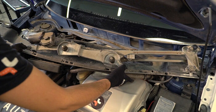 Federn Ihres Toyota Prius 2 1.5 (NHW2_) 2004 selbst Wechsel - Gratis Tutorial