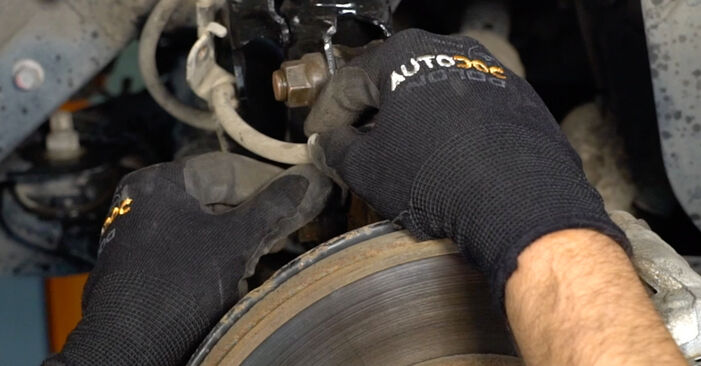 Consigli passo-passo per la sostituzione del fai da te Toyota Auris e15 2012 1.4 (ZZE150_) Molla Ammortizzatore