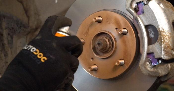 Toyota Auris e15 2.0 D-4D (ADE150_) 2008 Molla Ammortizzatore sostituzione: manuali dell'autofficina