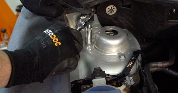 Changing Shock Absorber on VW POLO (9N_) 1.2 2004 by yourself