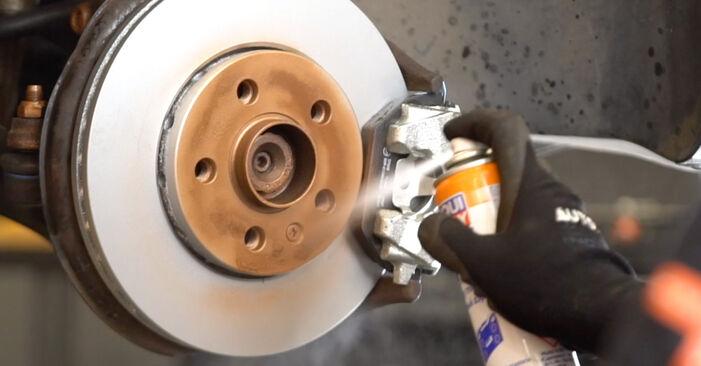 Tausch Tutorial Stoßdämpfer am VW POLO (9N_) 2001 wechselt - Tipps und Tricks