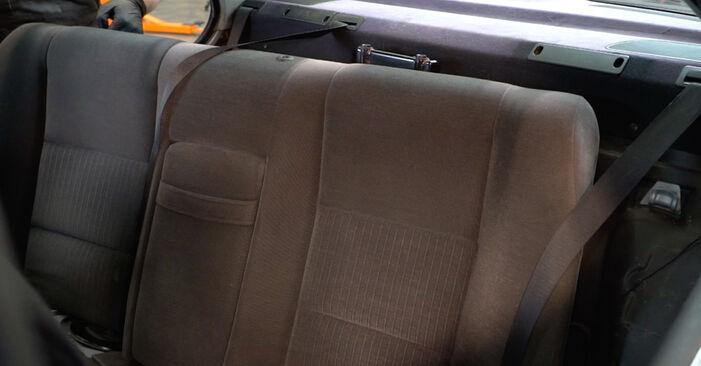 Wechseln Federn am BMW 5 Limousine (E39) 520i 2.0 1998 selber