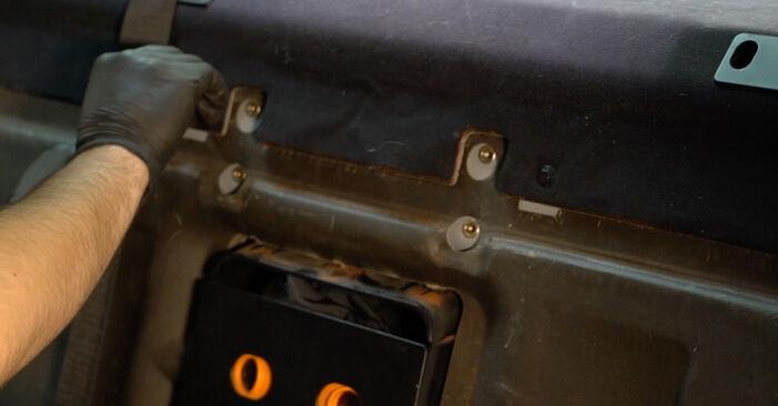 Wie Federn BMW 5 Limousine (E39) 530d 3.0 1996 austauschen - Schrittweise Handbücher und Videoanleitungen