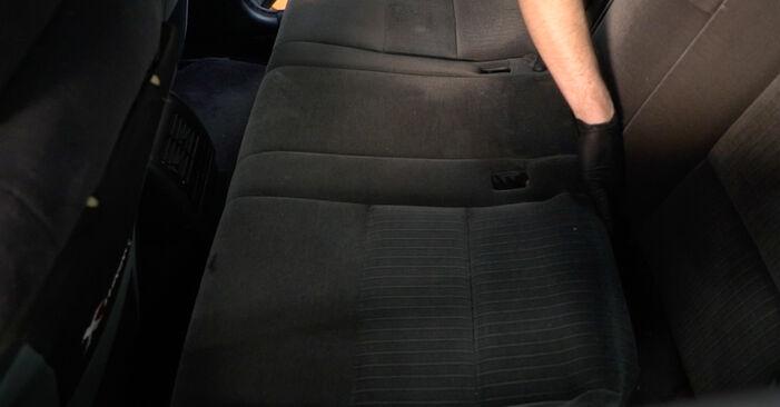 Federn beim BMW 5 SERIES 520i 2.2 2002 selber erneuern - DIY-Manual