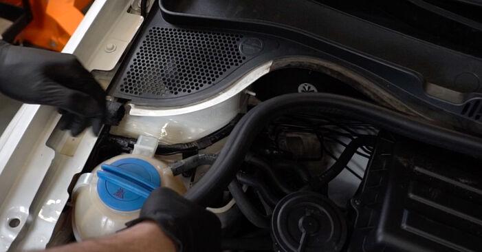 VW Polo 5 Sedan 1.4 2011 skift af Fjeder: gratis værksteds manualer