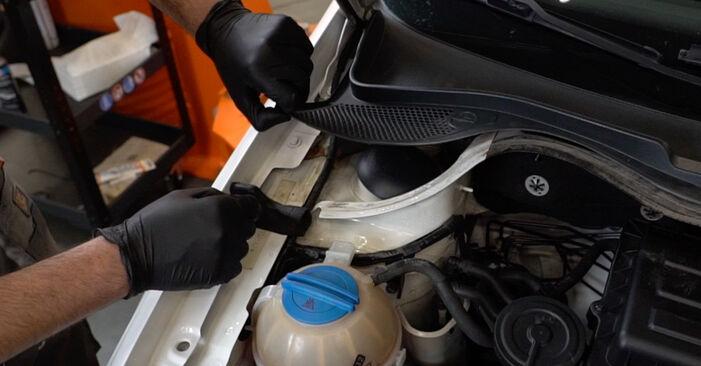 Skift af Fjeder på VW Polo Sedan (602, 604, 612, 614) 1.2 TSI 2012 ved gør-det-selv