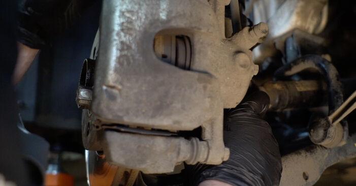 VW POLO 2016 Fjærer trinn–for–trinn veiledning for bytte