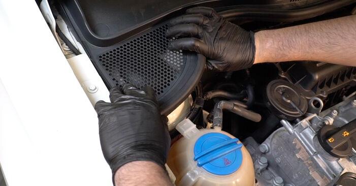 Trin-for-trin anbefalinger for gør-det-selv udskiftning på VW Polo 5 Sedan 2009 1.6 Fjeder