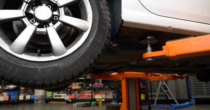 VW Polo 5 Sedan 1.4 2011 Vzmeti zamenjava: brezplačni priročnik delavnice