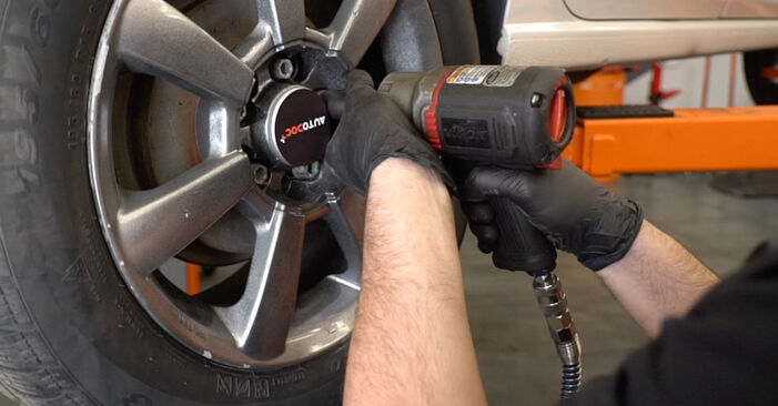 Jak zdjąć VW POLO 1.6 2013 Zawieszenie - łatwe w użyciu instrukcje online