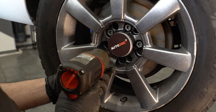 Wymień samodzielnie Zawieszenie w VW Polo Sedan (602, 604, 612, 614) 1.2 TSI 2012