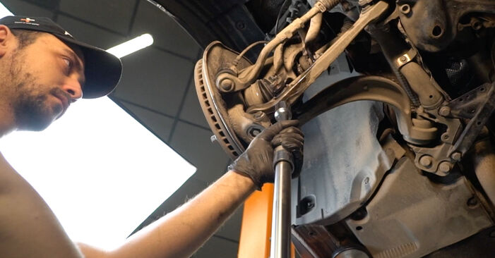 Kako dolgo traja menjava: Vzmeti na Audi A4 B8 Sedan 2015 - informativni PDF priročnik