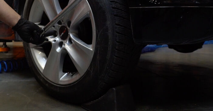 Recommandations étape par étape pour remplacer soi-même BMW E60 2004 525d 3.0 Ressort d'Amortisseur