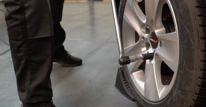 BMW 5 SERIES 520d 2.0 Federn ausbauen: Anweisungen und Video-Tutorials online