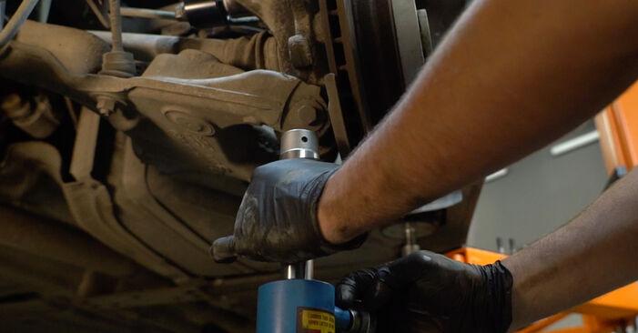 Tausch Tutorial Federn am BMW 5 Limousine (E60) 2003 wechselt - Tipps und Tricks