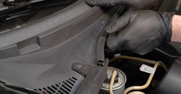 Come sostituire FIAT GRANDE PUNTO (199) 1.3 D Multijet 2009 Molla Ammortizzatore - manuali passo passo e video guide