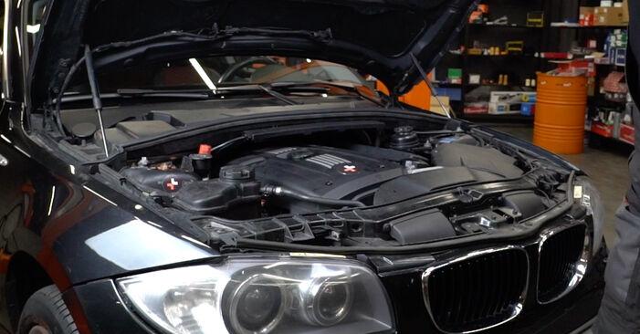Austauschen Anleitung Federn am BMW E82 2010 120d 2.0 selbst