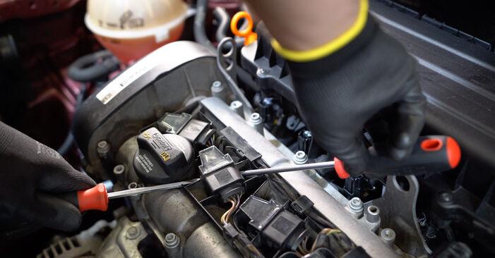 Kuinka vaikeaa on tehdä itse: Sytytyspuola-osien vaihto Polo 9n 1.4 16V 2007 -autoon - lataa kuvitettu opas