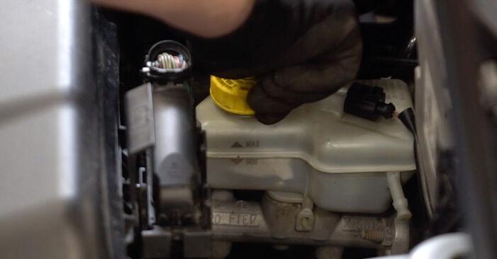 Cómo cambiar Discos de Freno en un VW POLO (9N_) 2001 - consejos y trucos